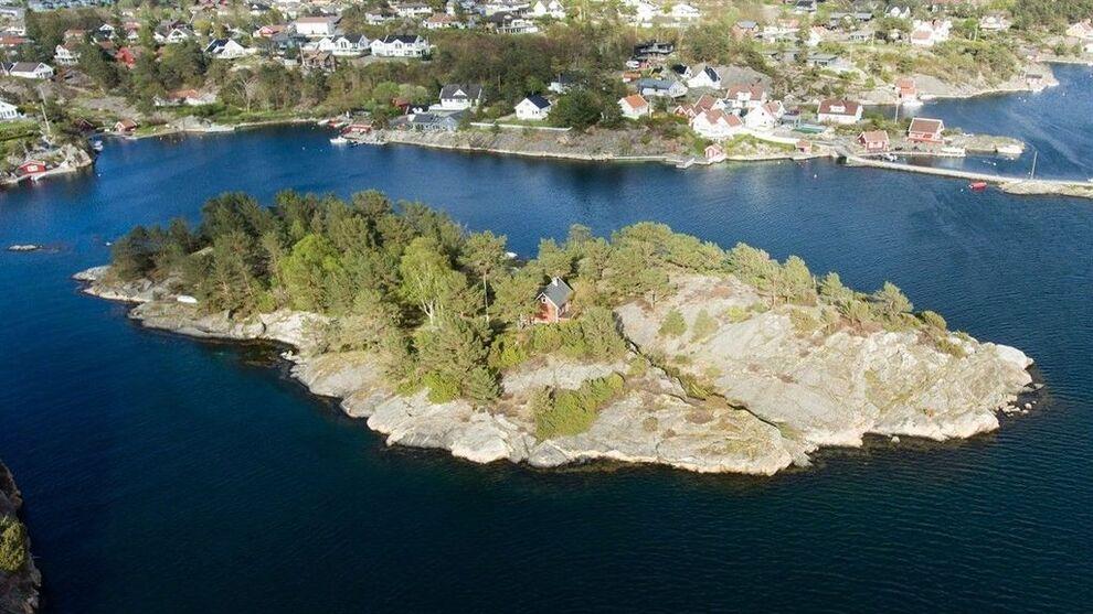 <p><b>SKJÆRGÅRDEN:</b> Lamholmen i Kristiansand er til salgs for 4,75 millioner kroner, viser en annonse på Finn.</p>