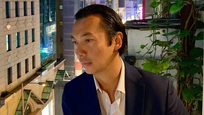 <p><b>HAR SOLGT AKSJER:</b> Senior porteføljeforvalter Olav Chen i Storebrand har møtt banker og finansaktører i Kina og Hongkong den siste uken.</p>