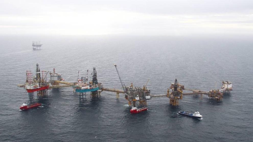 <p><b>OLJEFELT:</b> Vedlikehold på Ekofiskfeltet presser i sommer oljeproduksjonen i Nordsjøen til sitt laveste nivå siden 2014, spår Rystad Energy.</p>