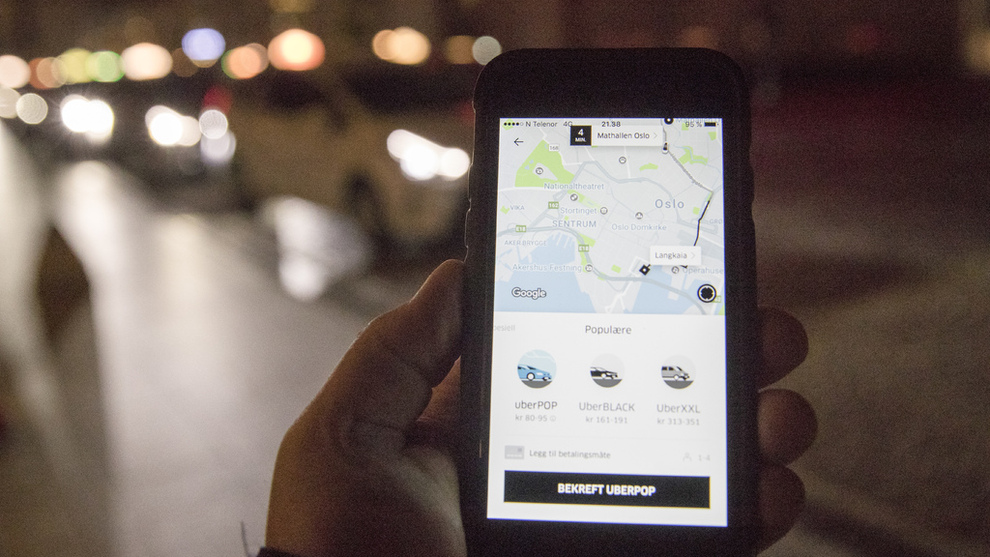 <p><b>NY LOV</b>: Uber Pop tok en pause fra Norge i oktober 2017. Nå åpner en lovendring for mulig retur.</p>