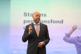 KRITIKK: Leder i Norges Bank Investment Management Yngve Slyngstad presenterer resultater. Oljefondet 4. kvartalsrapport.