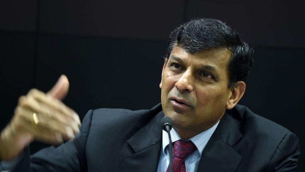 <p>ADVARER: Tidligere IMF-topp og sentralbanksjef i India, Raghuram Rajan, advarer land mot å bli fanget i spiralen med lave renter.</p>