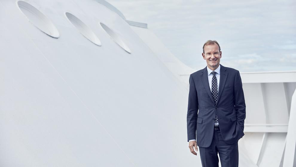 <p><b>FRA SJØEN TIL LUFTEN:</b> DFDS-sjefen gjennom 12 år kan nå bli Norwegians nye styreleder.</p>