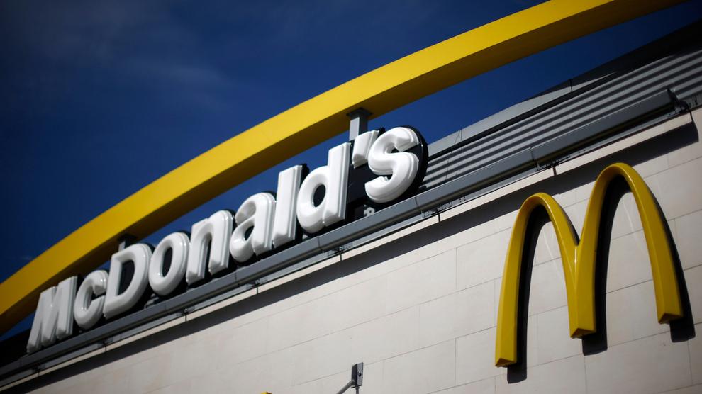 <p><b>STARTER HJEMLEVERING:</b> McDonald's skal kjøre hjem maten til kundene.</p>