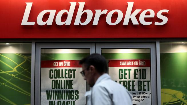 <p><b>301,5 MILLIONER:</b> Oljefondet har investert i bettingselskapet Ladbrokes, som har base i Storbritannia.</p>