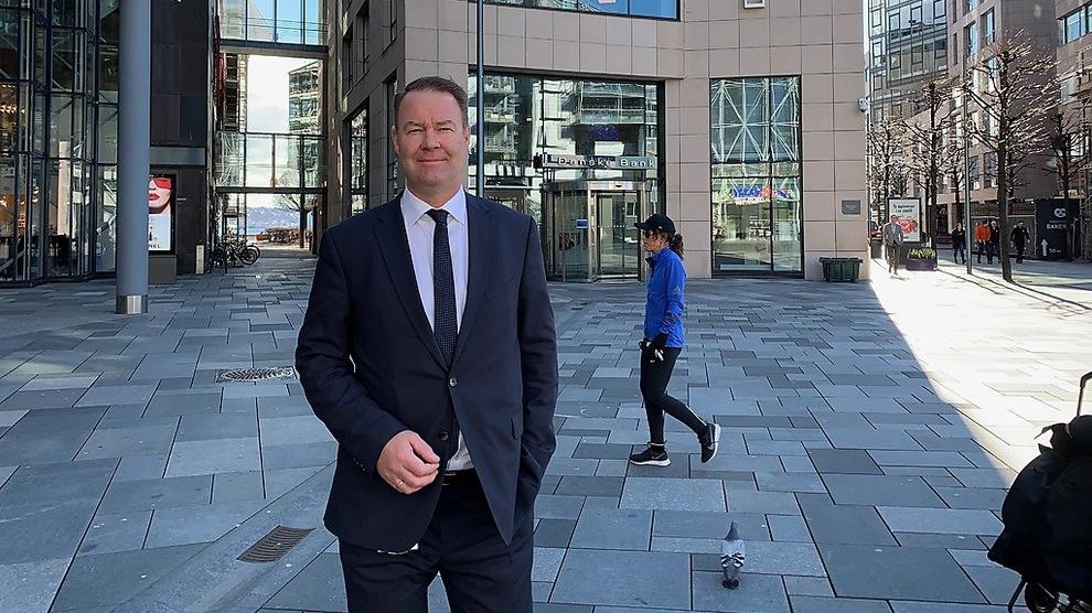 <p>ØKER RENTEN: Danske Bank følger rentehevingen i Norges Bank. Her Norgessjef i Danske Bank, Trond Mellingsæter.</p>