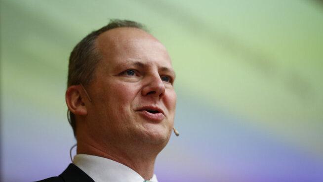 <p>Ketil Solvik Olsen (FrP), samferdselminister.</p>