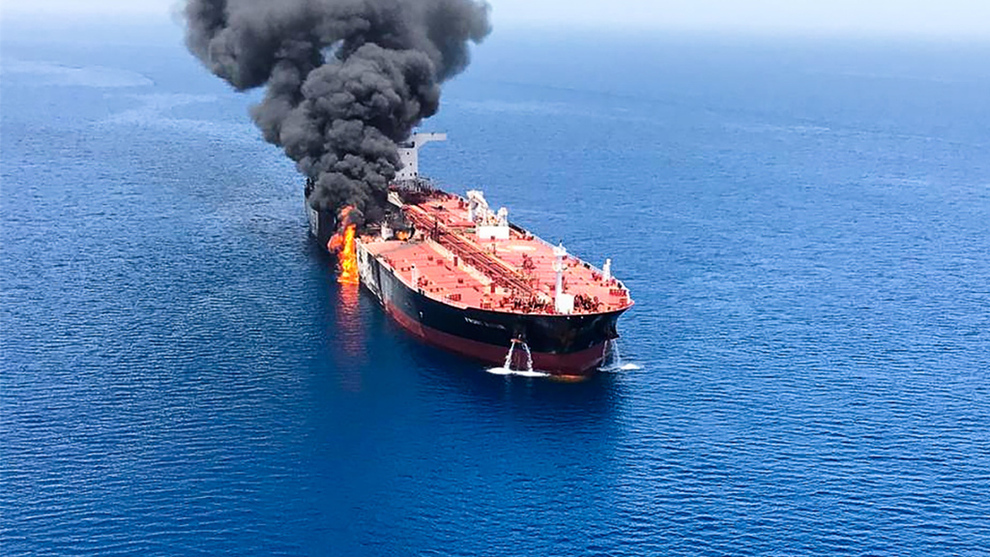 """<p align=""""left""""><b>BRANT:</b> John Fredriksens tankrederi Frontline vet ikke hvorfor det brøt ut brann på tankskipet deres i Oman-bukten, men utelukker at det var en feil med selve skipet.</p>"""