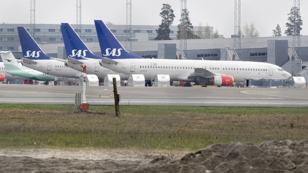 <p><b>STREIKERAMMET</b>: Arkivbilde fra Oslo Lufthavn under pilotstreiken til SAS i månedsskiftet april/mai da de fleste av selskapets fly sto på bakken.</p>