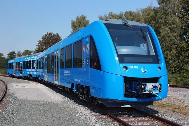 Coradia iLint hydrogentog laget av Alstom. Toget skal kunne kjøre i opptil 140 kilometer i timen og kan kjøre opptil 1.000 kilometer på en tank, ifølge produsenten.