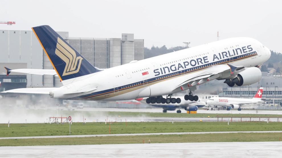 <p>MÅ SJEKKES: Europeiske myndigheter og Airbus skal lage en plan for flyselskaper som må se etter sprekker i vingene på A380-fly.</p>