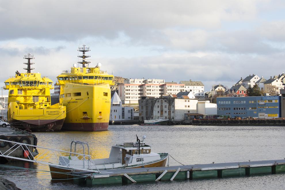 <p><b>LAVERE AKTIVITET:</b> Supplybåter brukt i oljeindustrien ligger nå i opplag flere steder langs kysten. World Pearl (t.v.) og World Diamond fra World Wide Supply ligger i opplag i Ålesund.</p>