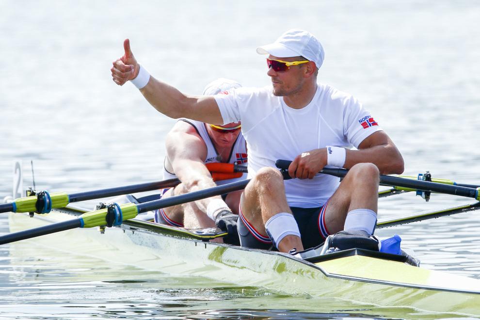 <p><b>TOMMEL OPP:</b> Olaf Tufte fortsetter å tjene penger utenfor robåten. Her fra semifinalen i dobbeltsculler under OL i Rio 2016 der Tufte og Kjetil Borch til slutt fikk bronsemedalje.</p>