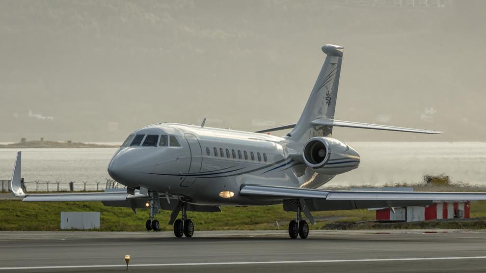 <p><b>AIR REITAN:</b> Reitans nye fly er av typen Dassault Falcon 2000LXS, med en listepris på 287 millioner kroner. Her avfotografert på Værnes, flyet er jevnlig i bruk.</p>