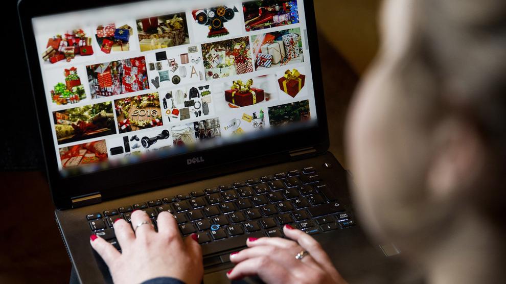 4f596b725 Nordmenn klikker jula inn på nett - Privat - E24