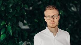 <p>Tobias Judin, juridisk seniorrådgiver i datatilsynet, råder norske virksomheter til å vurdere sikkerhetsrutinene sine.</p>