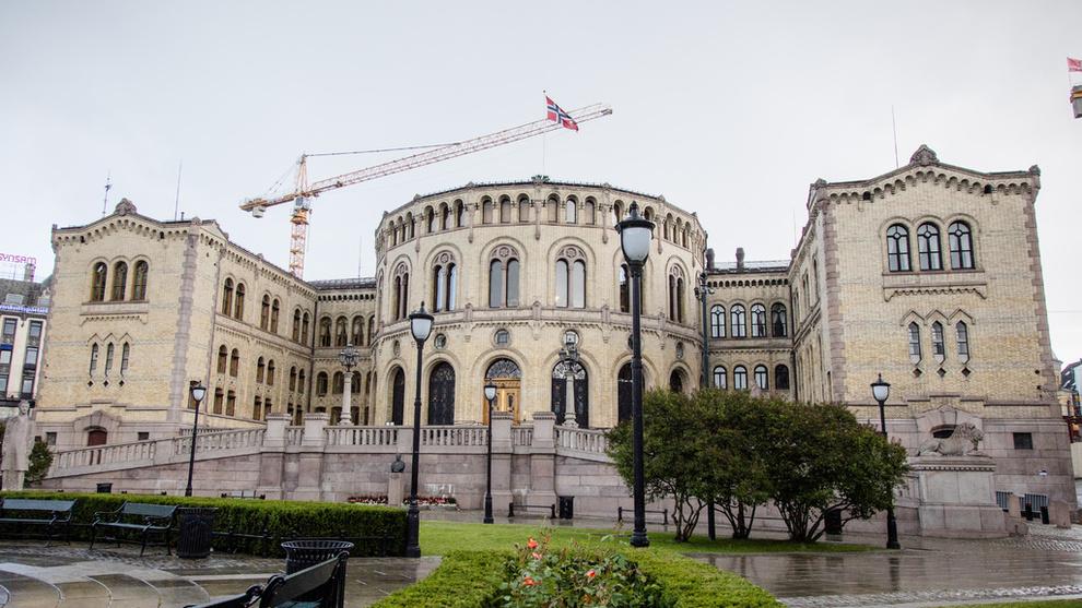<p><b>SVART ARBEID</b>: Økokrim har tiltalt den tidligere NHO-tillitsvalgte Lars Barg for å ha organisert svart arbeid gjennom et maleroppdrag på Stortinget.</p>