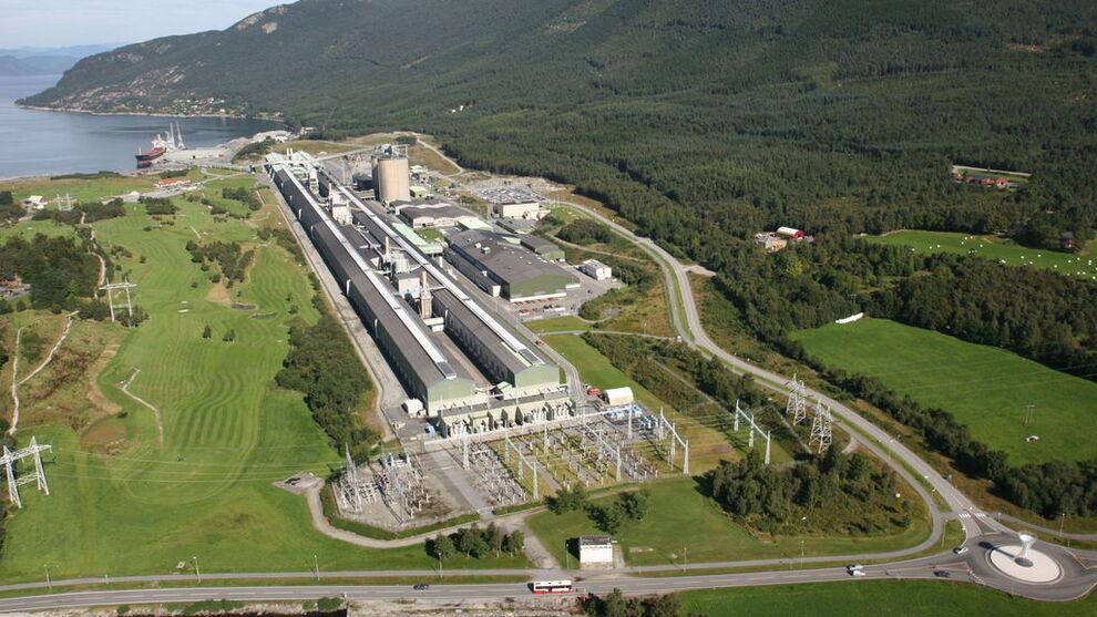 <p><b>SKAL BYGGES OM:</b> Aluminiumsverket til Hydro på Husnes skal bygges om slik at man igjen får produsert fra to produksjonslinjer.</p>