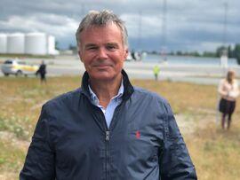 <p>Flyanalytiker Hans Jørgen Elnæs i Winair.</p>