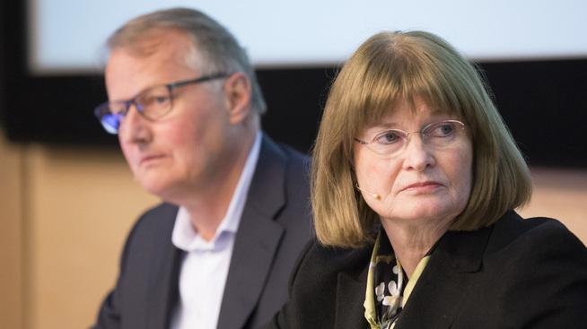 <p><b>VIL TA LÆRDOM:</b> Styreleder Anne Carine Tanum i DNB, her avbildet under DNBs generalforsamling med konsernsjef Rune Bjerke i bakgrunnen.</p>