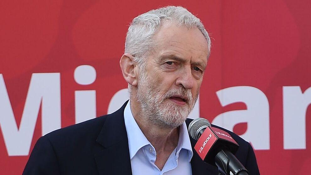 <p>Labour-leder Jeremy Corbyn åpner for ny avstemning</p>