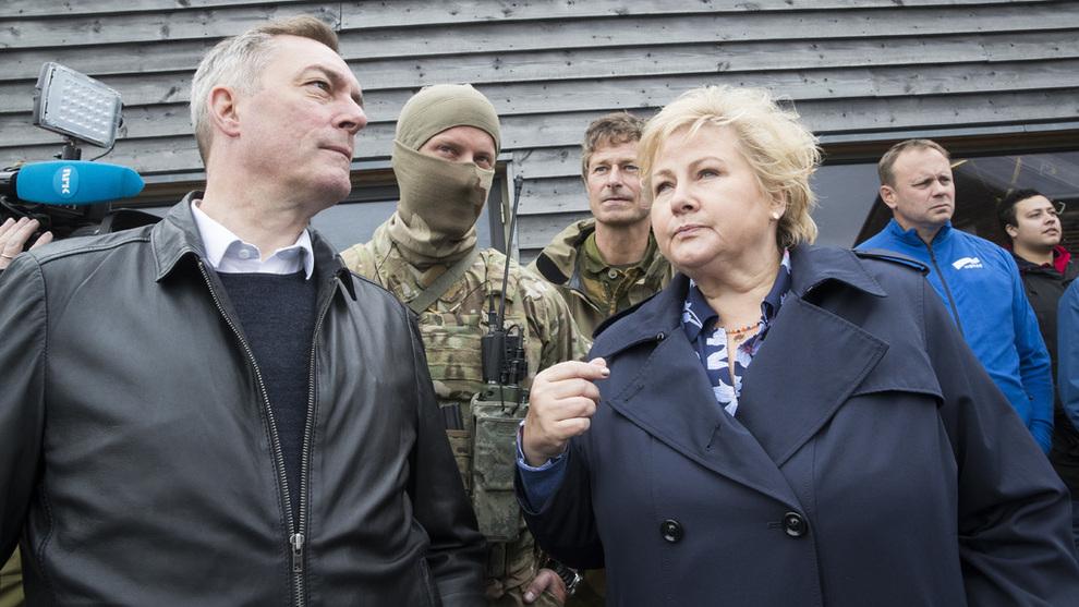<p>BEKREFTER MØTE: Forsvarsminister Frank Bakke Jensen, her med statsminister Erna Solberg</p>