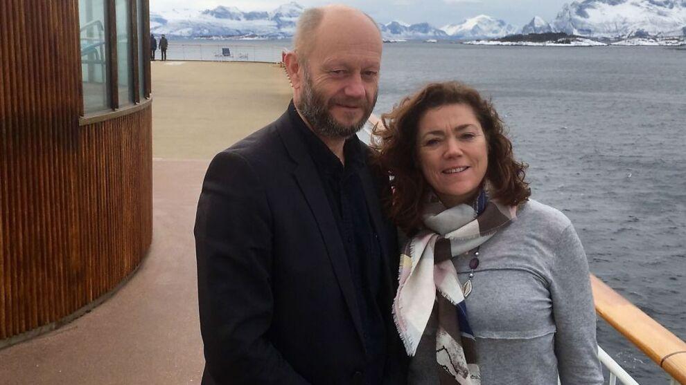 <p>ENIGE TIL LANDS OG TIL VANNS: Administrerende direktør Stein Lier-Hansen i Norsk Industri og NHO-sjef Kristin Skogen Lund kom i havn i Bodø onsdag, etter å ha vært med representantskapet i NHO på Hurtigruta, for å vedta plattformen for lønnsoppgjøret.</p>