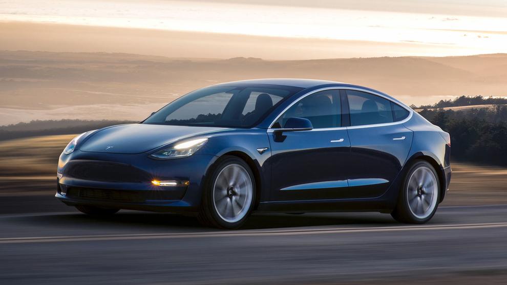 <p><b>NY PRISNEDGANG</b>: Tesla Model 3-prisen skrelles igjen.</p>