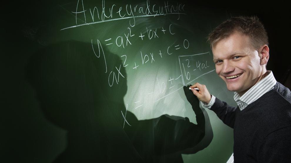 <p><b>ANDRE GODER:</b> Det var ingen vei utenom lønnskutt da Morten Hansen Jondahl gikk fra Halliburton til Skien videregående skole. Det lever han godt med. – Jeg kommer hjem til kona og barna mine hver ettermiddag, sier han.</p>