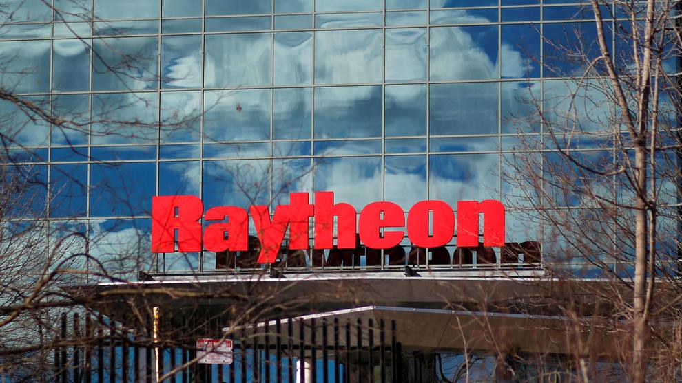 <p><b>STORT SELSKAP:</b> Våpengiganten Raytheon og industrigiganten United Technologies (UTC) blir et selskap. Etter sammenslåingen vil UTC-aksjonærene eie 57 prosent av selskapet som vil ha en årlig omsetning på rundt 74 milliarder dollar.</p>