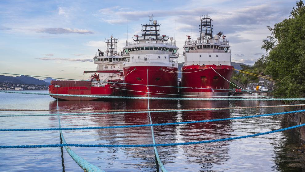 <p><b>LAVE RATER:</b> Utnyttelsen for offshoreskip i Nordsjøen har tidvis vært svært lav i det siste. Her illustrasjonsbilde av supplyskip fra Solstad Farstad ASA i opplag i Ålesund.</p>