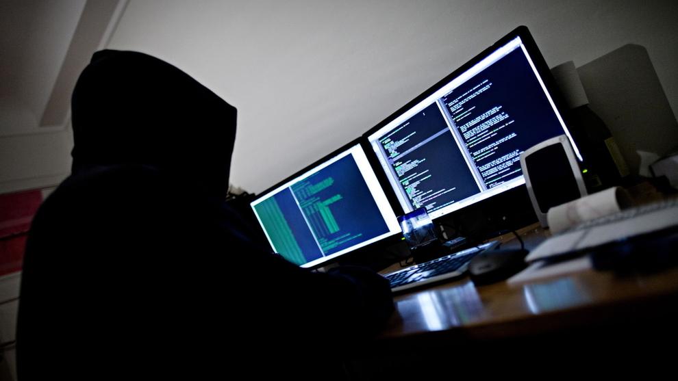 <p>SÅRBAR: Når stadig flere bedrifter er koblet til internett gjør det dem også sårbar.</p>
