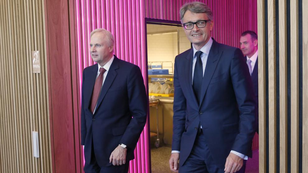 <p><b>– SANNSYNLIGVIS DEN VIKTIGSTE TRANSAKSJONEN:</b> Aker-sjef Øyvind Eriksen (t.h.) legger ikke skjul på at avtalen med BP og konsernsjef Bob Dudley for å skape Aker BP har vært avgjørende. Her er de to avbildet i 2016 på Fornebu.</p>