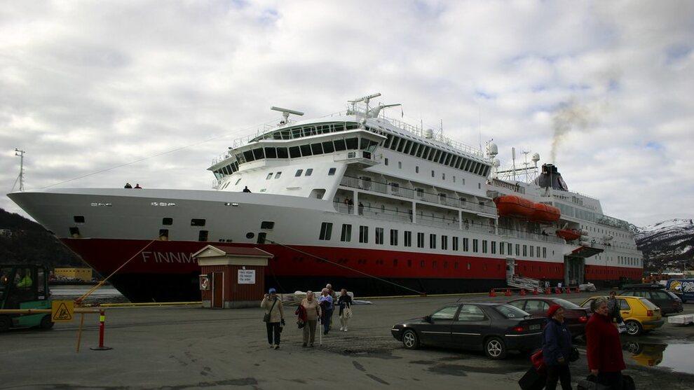<p><b>KJØRTE PÅ GRUNN:</b> Hurtigruteskipet MS Finnmarken.</p>