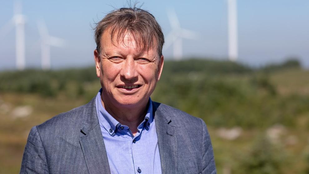 <p><b>KRAFTHANDEL:</b> Tor-Ove Horstad, som har ledet kraftforhandlingene til Hydro de siste årene, kjøper mer vindkraft fra Sverige.</p>