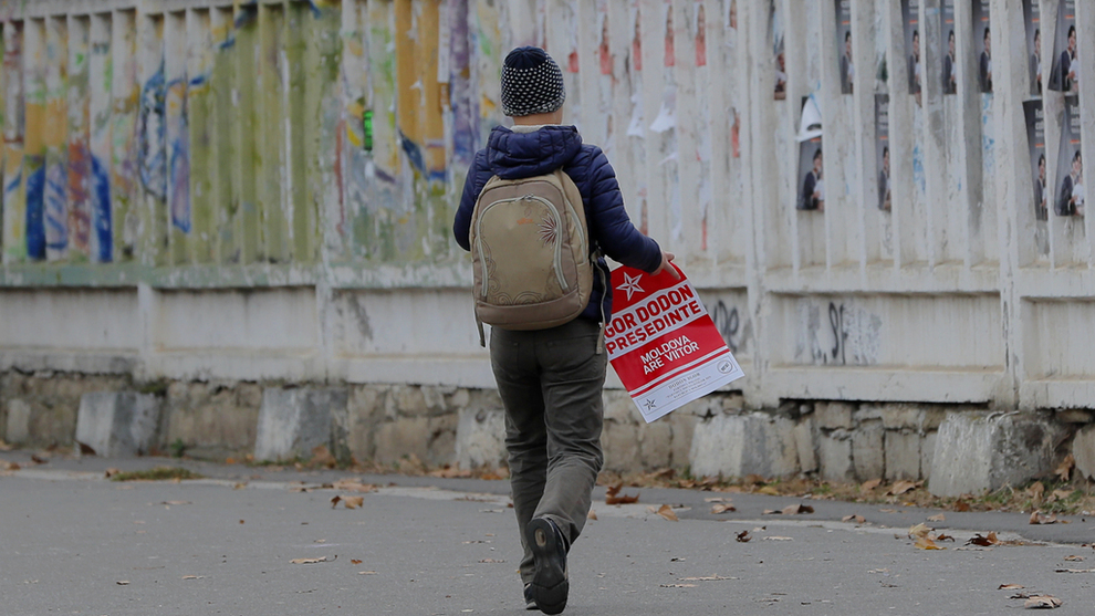 <p><b>NOE BEDRE ENN I 2010:</b> Europeiske barn har høyest risiko å havne i fattigdom i Øst-Europa, men risikoen er noe lavere enn for seks år siden.</p>