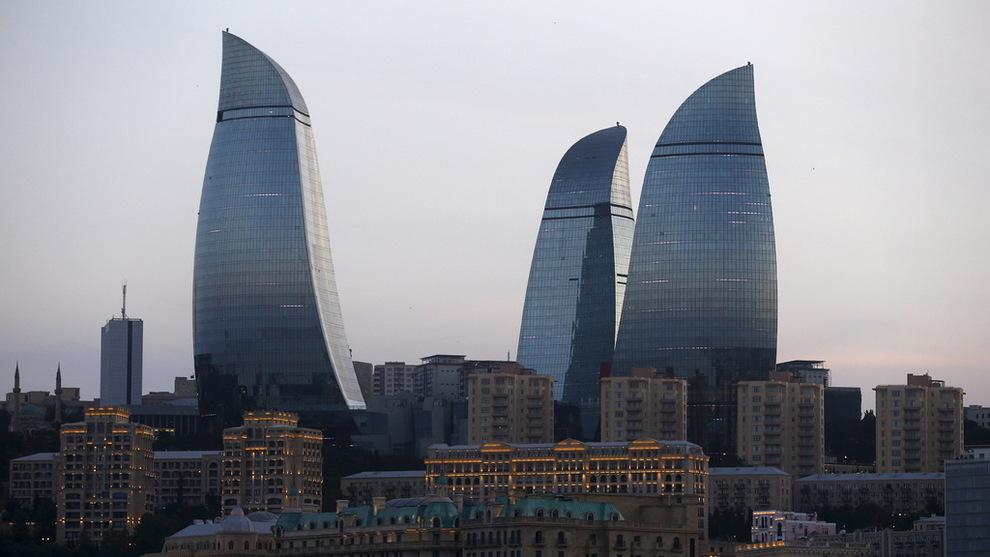 <p><b>KNYTTES TIL ASERBAJDSJAN:</b> Danske Bank er trukket inn i en hvitvaskingssak med forbindelser til regimet i Aserbajdsjan, avslører Berlingske. Her skyskraperne i Baku, Aserbajdsjan.</p>