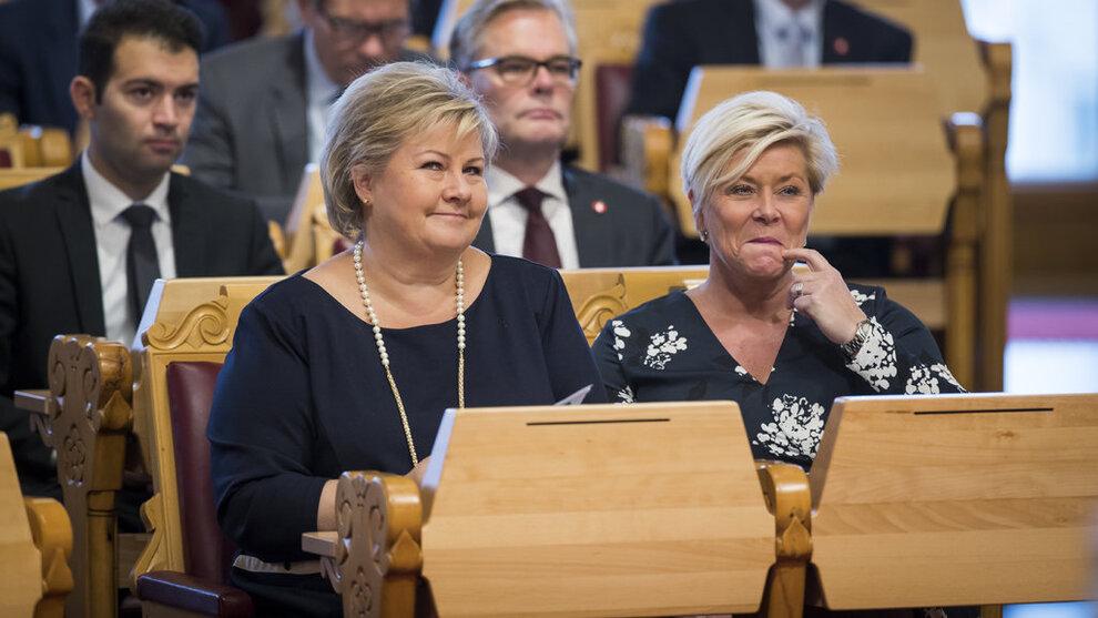 <p><b>BUDSJETTLEKKASJER:</b> Statsminister Erna Solberg og finansminister Siv Jensen og andre statsråder har kommet med budsjettlekkasjer i forkant av fremleggelsen av statsbudsjettet torsdag. Bilde fra trontaledebatten i Stortinget onsdag.</p>