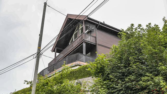 <p><b>ROMSLIG:</b> Eiendommen har en parkmessig eiendom på 775 kvadratmeter. Selve huset har primærrom på 264 kvadratmeter.</p>