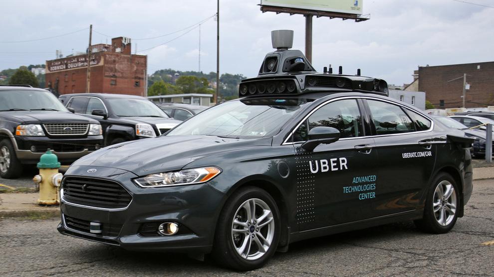 <p><b>SELVKJØRENDE:</b> I New York er det foreløpig forbud mot selvkjørende biler, og denne loven tenker byens Uber-sjåfører å kjempe for å beholde.</p>