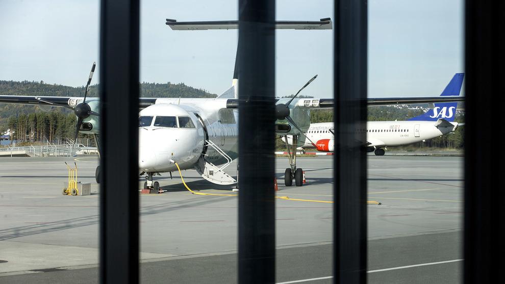 SMITTER: Innstilte fly i forbindelse med pilotstreiken i SAS gjør at Widerøes bakkemannskaper permitteres på 14 flyplasser.