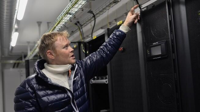 <p><b>MISTER MILLIARDKONTRAKT:</b> Selskapet Troll Housing sier de mistet en milliardkontrakt knyttet til et nytt datasenter i Fræna i Møre og Romsdal, etter at regjeringen denne uken varslet full elavgift for datasentre som utvinner kryptovaluta. Dette er selskapets daglige leder Lars Naas.</p>