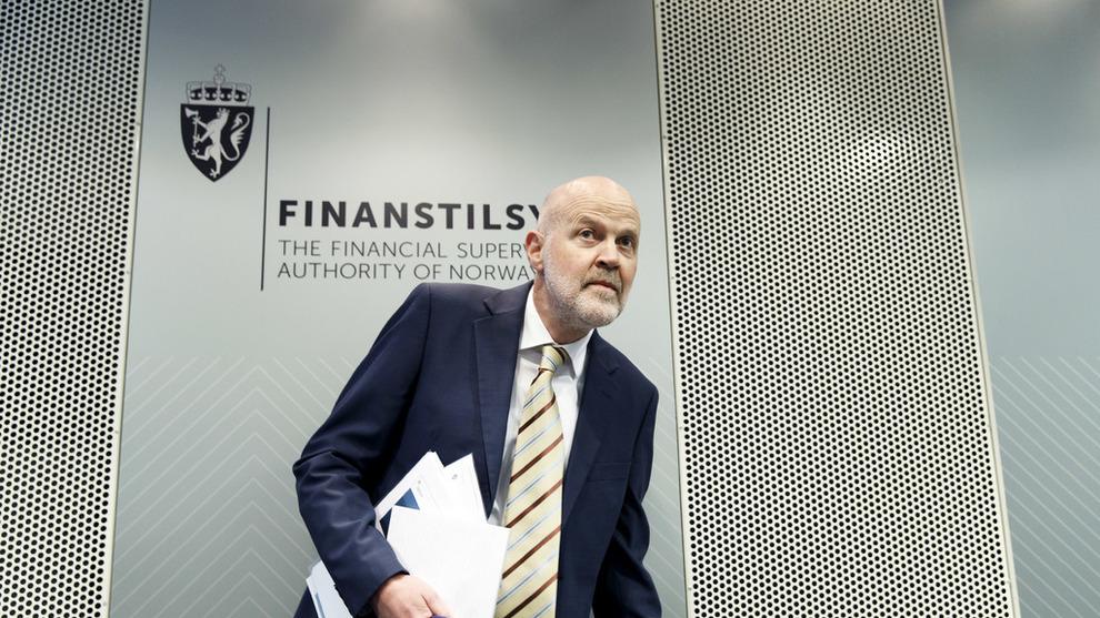 <p><b>«UTILRÅDELIG»:</b> Finanstilsynet har fattet vedtak om at 38 advokater ikke lengre for drive med eiendomsmegling grunnet lovbrudd. Her er tilsynsdirektør Morten Baltzersen.</p>