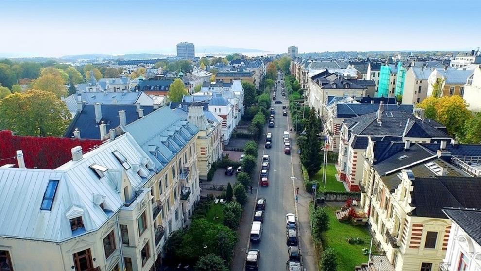 <p><b>DYRERE Å LÅNE TIL BOLIG:</b> DNB er første bank ut til å heve renten etter torsdagens beslutning fra Norges Bank.</p>
