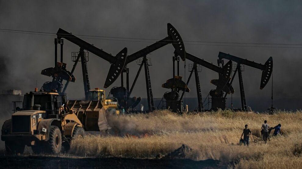 <p>Lagertall er tilbake i fokus onsdag mens oljeprisen faller videre</p>