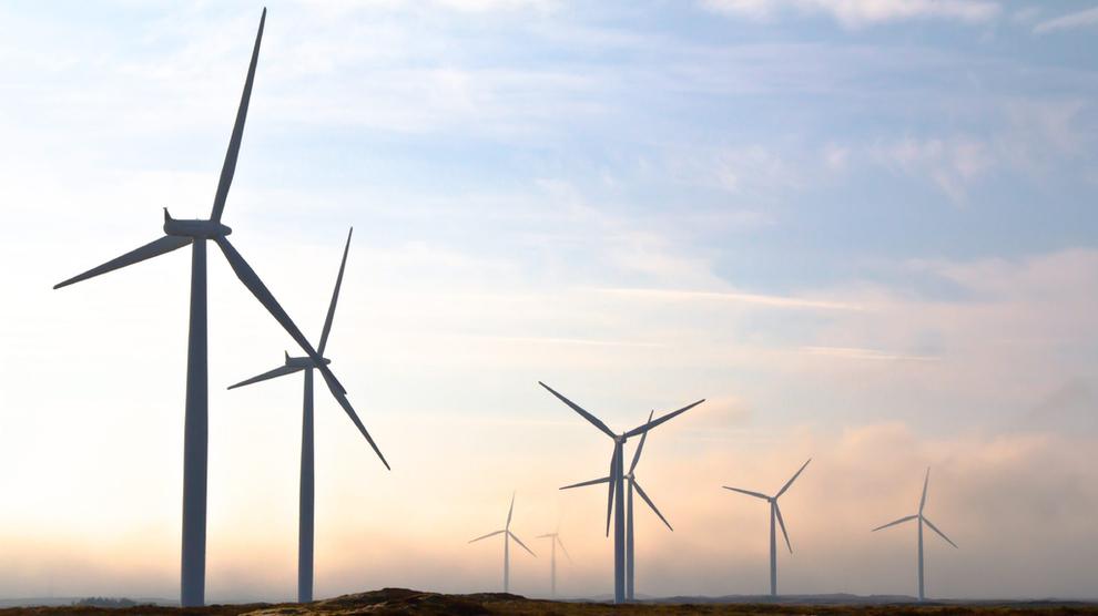 <p><b>MER KONKURRANSEDYKTIG:</b>Mens vindkraft har blitt billigere å bygge ut, har CO₂-kostnadene i Europa steget. Det bidrar til at vindkraft i Norge nå er mer attraktivt, ifølge Ishavskraft. Samtidig møter enkelte prosjekter stor motstand.</p>