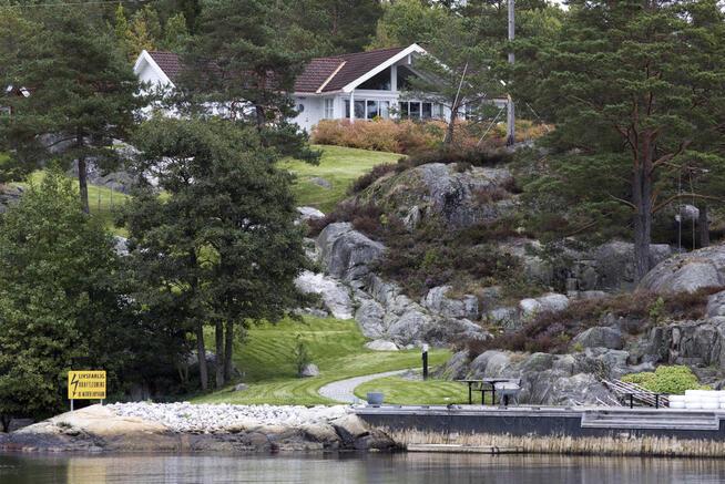 <p><b>HYTTELUKSUS:</b> Ole Robert Reitan har hytte på Sauøya i Kragerø. Reitan kjøpte hytta i 2008 for 14,5 millioner kroner.</p>