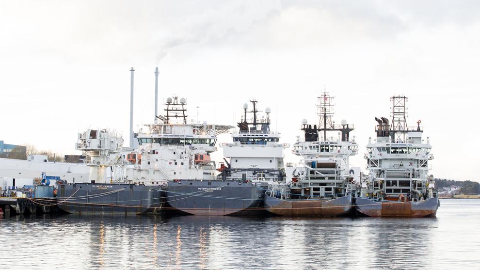 <p><b>TØFFE TIDER:</b> Rederne i offshore ser ikke like mørke utsikter lenger. Her offshoreskip i opplag tilbake i 2016.</p>