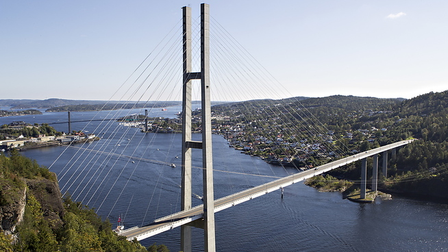 <p><b>MYE TILGJENGELIG:</b> Grenland er det urbane området i undersøkelsen som har størst andel boliger tilgjengelig for folk med gjenomsnittslønn. Her ser vi landemerket Grenlandsbrua, som forbinder Porsgrunn kommune med Bamble.</p>