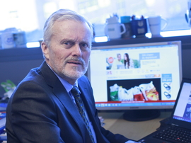 <p><b>FØLGER PRISKRIGEN</b>: Dagligvareekspert og professor Odd Gisholt.</p>